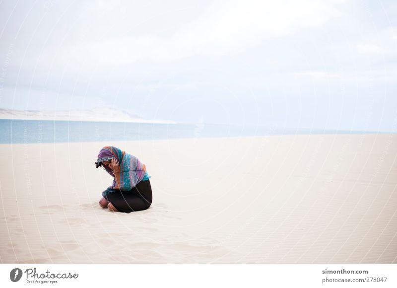 afrika Mensch Natur Jugendliche Ferien & Urlaub & Reisen Sommer Sonne Meer Strand Landschaft Ferne Umwelt feminin Wärme Junge Frau Freiheit Sand