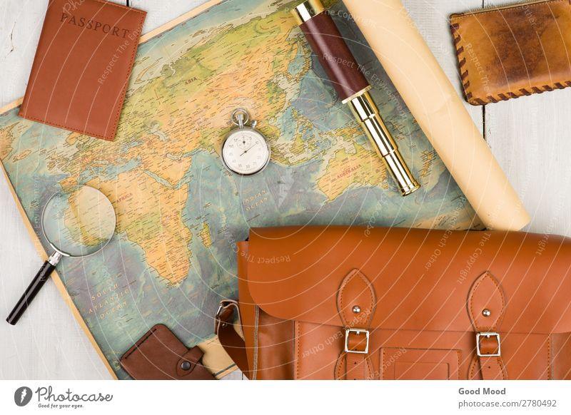 geografische Karte, Reisepass, Tasche, Lupe, Geldbörse, Fernglas Lifestyle Freizeit & Hobby Ferien & Urlaub & Reisen Tourismus Ausflug Expedition Sommer Tisch