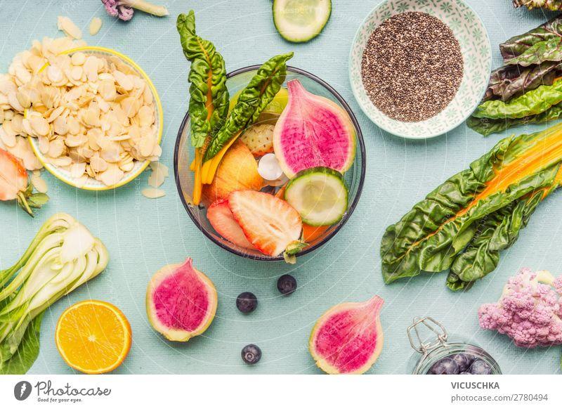 Gesunde Smoothie Zutaten in Mixer Gesunde Ernährung Sommer grün Foodfotografie Lebensmittel Essen Lifestyle Stil Frucht Design Orange kaufen Gemüse Getränk