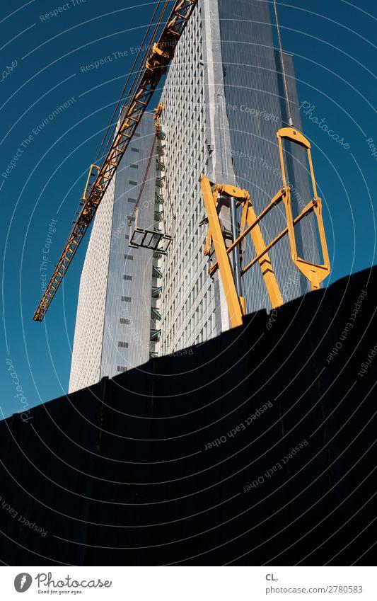 0211 Arbeit & Erwerbstätigkeit Arbeitsplatz Baustelle Wirtschaft Himmel Wolkenloser Himmel Schönes Wetter Düsseldorf Stadt Stadtzentrum Menschenleer Hochhaus