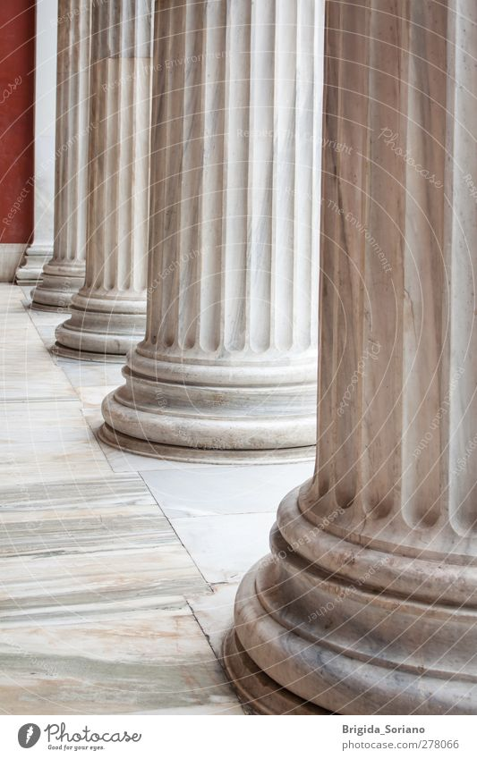Klassische griechische Spalten in einer Reihe Museum Architektur Hauptstadt Denkmal grau weiß ästhetisch Ferien & Urlaub & Reisen Kultur Kunst Säule Athen