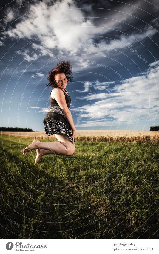 feel free (I) Mensch Himmel Natur Jugendliche Sommer Freude Wolken Erwachsene Landschaft Wiese Leben Junge Frau Gefühle Freiheit lachen Glück
