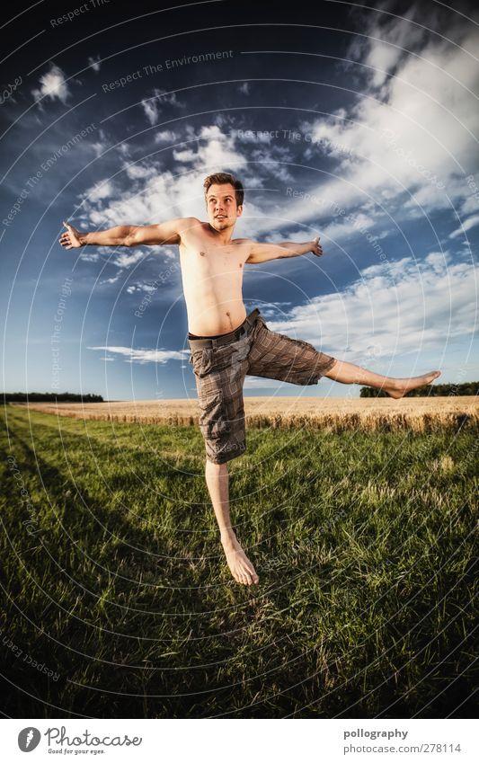 feel free (II) Mensch Himmel Natur Mann Jugendliche Sommer Pflanze Wolken Erwachsene Landschaft Wiese Leben Gefühle springen Junger Mann Horizont