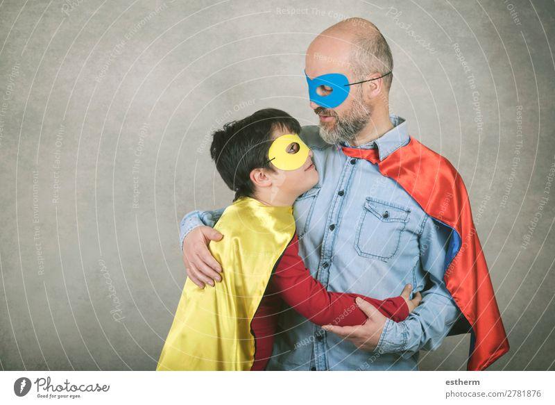 Vatertag, Vater und Sohn als Superheld gekleidet. Lifestyle Feste & Feiern Halloween Jahrmarkt Erfolg Mensch maskulin Kind Mann Erwachsene Eltern