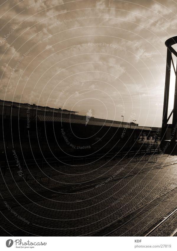Sonnenuntergang im Hafengebiet Himmel Wolken Herbst frisch Industrie Aussicht Fabrik Bildung Gleise Balkon Kopfsteinpflaster Bremen Pflastersteine industriell