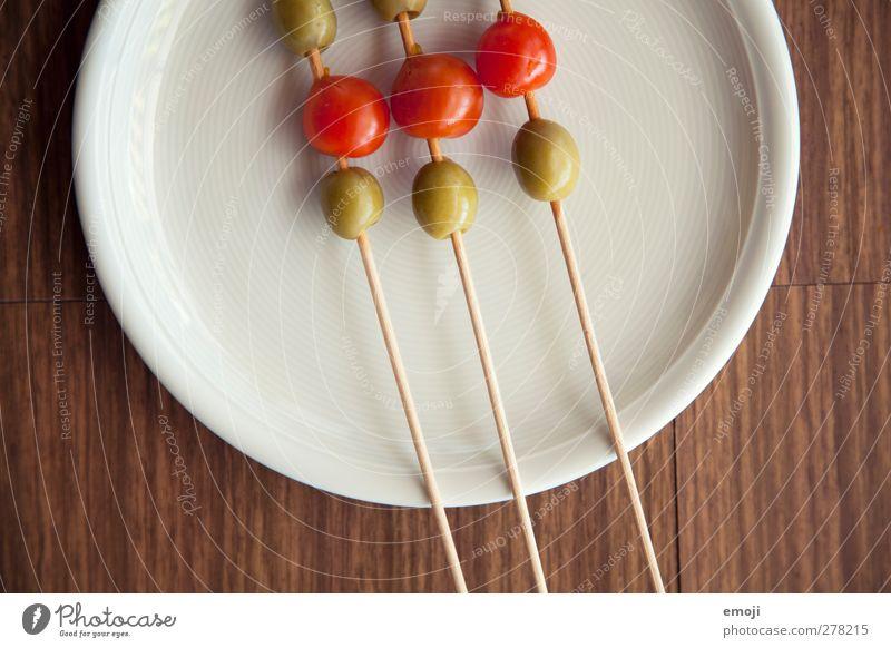 grünrot Lebensmittel Gemüse Vegetarische Ernährung Diät Italienische Küche Teller Gesundheit Vorspeise aufgespiesst Oliven Tomate Farbfoto Nahaufnahme