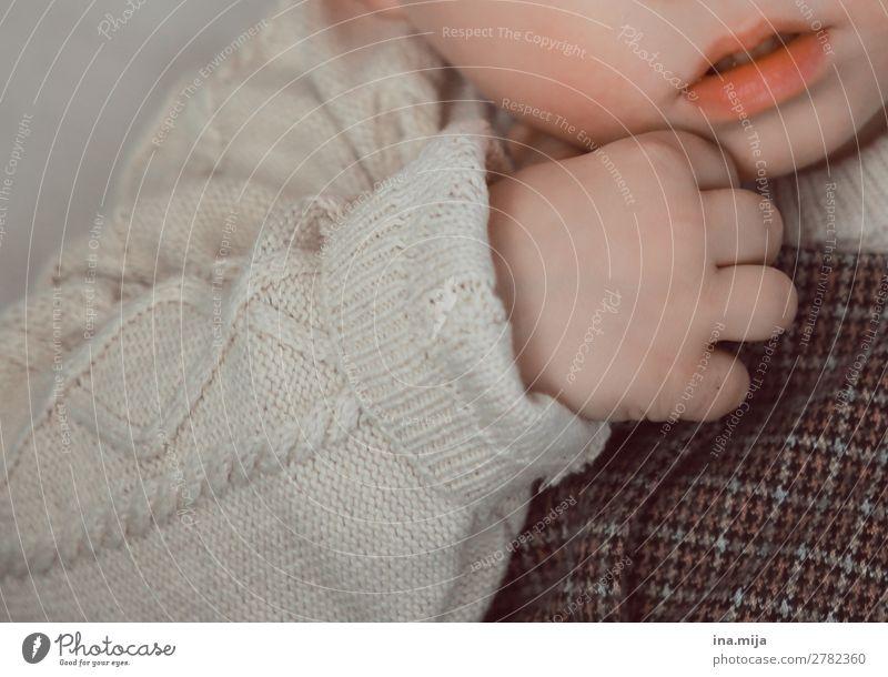 Minimensch Mensch Kind Baby Kleinkind Mädchen Junge Mund Hand 1 0-12 Monate 1-3 Jahre 3-8 Jahre Kindheit Mode Bekleidung Pullover Strickpullover Wollpullover