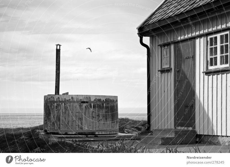 Badetag Meer Einsamkeit ruhig Haus Erholung Landschaft Fenster Holz Architektur Küste Gebäude Gesundheit Stimmung Schwimmen & Baden Tür Häusliches Leben