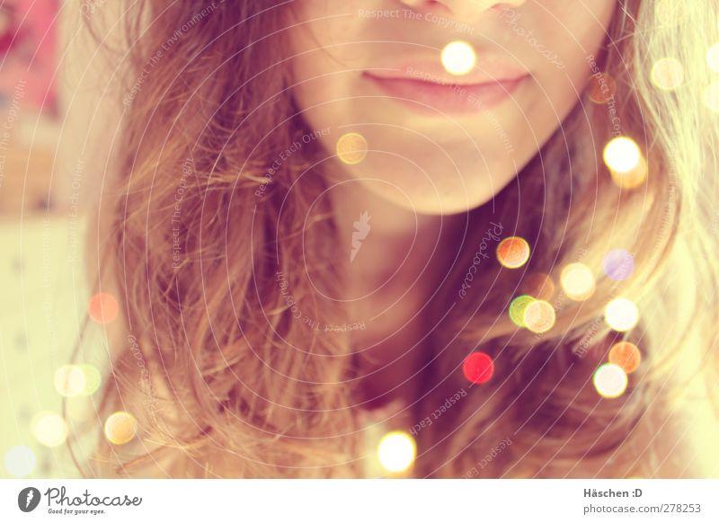 Enjoy the sunshine Mensch Junge Frau Jugendliche Kopf Haare & Frisuren Gesicht Mund Lippen 1 brünett Locken Lächeln hell braun Licht Lichtpunkt Punkt Farbfoto