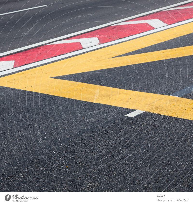 < rot Farbe gelb Straße Stein Linie Ordnung Schilder & Markierungen Verkehr Beginn Beton authentisch Perspektive Hinweisschild Streifen einfach