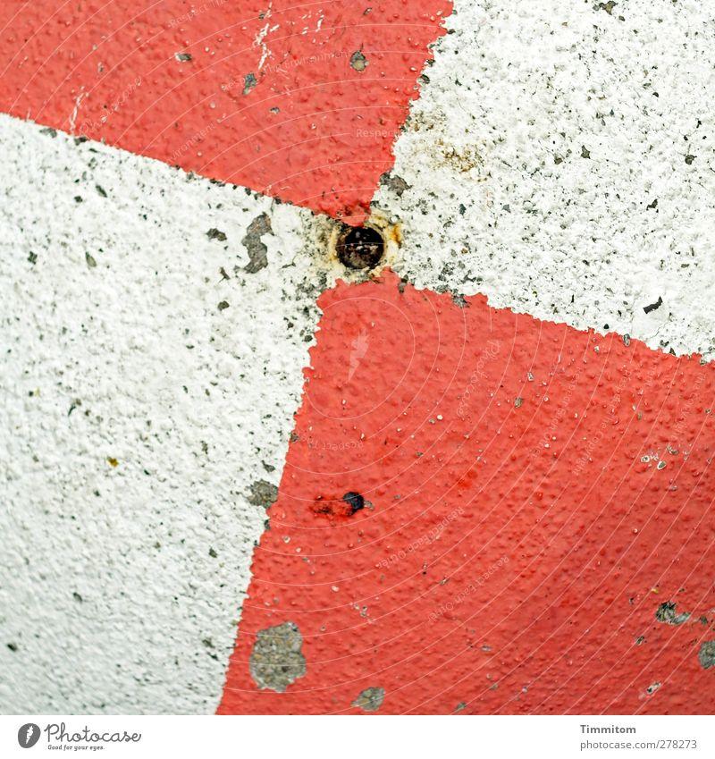 Rotweiss+Punkt Beton Schilder & Markierungen ästhetisch fest rot weiß Warnfarbe Mittelpunkt Farbfoto Außenaufnahme Menschenleer Tag Vogelperspektive
