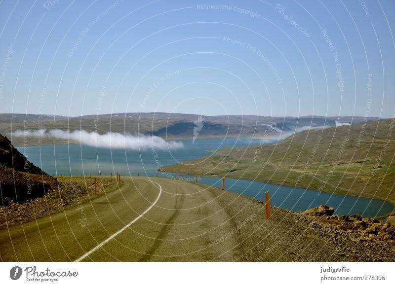 Island Umwelt Natur Landschaft Himmel Wolkenloser Himmel Klima Schönes Wetter Hügel Felsen Fjord Verkehr Verkehrswege Straße Ferien & Urlaub & Reisen