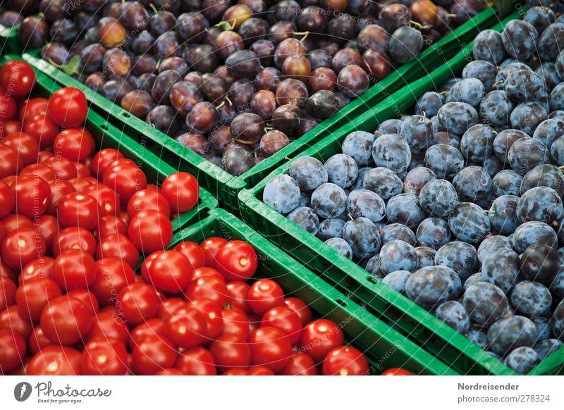 Im Vorbeigehen Lebensmittel Gemüse Frucht Bioprodukte Vegetarische Ernährung Fasten Gesunde Ernährung blau grün rot kaufen rein Werbung Pflaume Tomate Markt