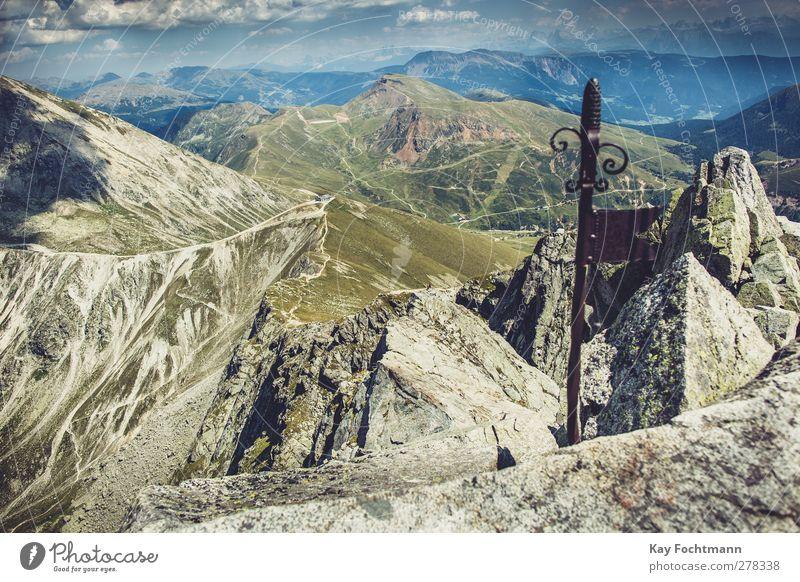 ° Himmel Natur blau Ferien & Urlaub & Reisen grün Sommer Wolken ruhig Erholung Landschaft Ferne Berge u. Gebirge Freiheit Gesundheit Zufriedenheit wandern