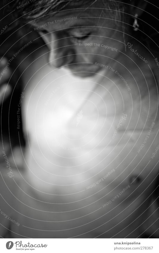 Kamikazeherz Lifestyle maskulin Mann Erwachsene Gesicht Brust 1 Mensch 45-60 Jahre Stoff Accessoire Ohrringe Bart Denken träumen Traurigkeit dunkel Erotik Sex