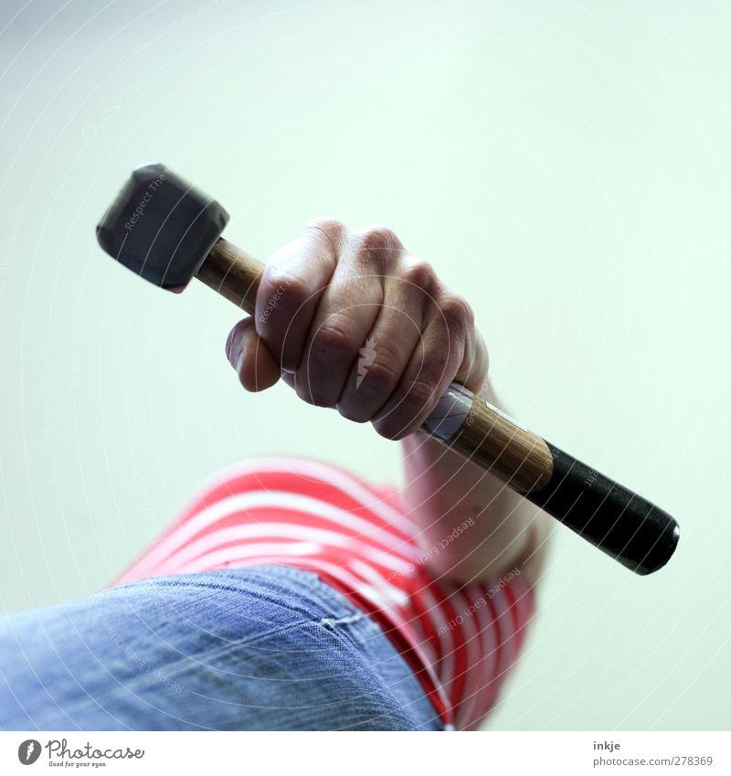 Hammerfrau II Mensch Jugendliche Hand Erwachsene feminin Leben Junge Frau Gefühle Stimmung Kraft Freizeit & Hobby Frauenbrust festhalten Mut Werkzeug Stolz
