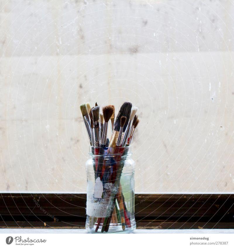 analog brushes Kunst Maler Pinsel aufbewahren Künstlerwerkstatt Künstlerleben Malerbetrieb Freude Farbstoff Kreativität malen Borsten gebraucht streichen