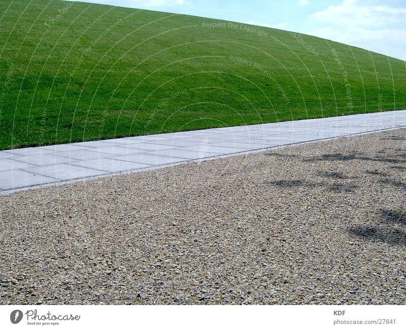 nichts los Wiese Gras Wege & Pfade Verkehr leer frisch modern neu Idee verloren Kies Erscheinung Landschaftsformen Landschaftsarchitektur Neuland