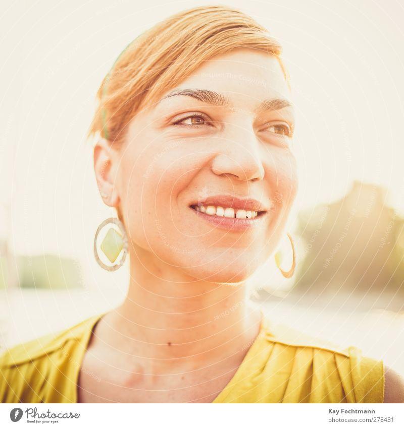 red sonja Mensch Frau Jugendliche schön Erwachsene Erholung Auge feminin Leben Wärme Junge Frau Haare & Frisuren Stil Gesundheit orange 18-30 Jahre