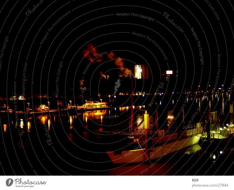 Weser, Nachts 2 Langzeitbelichtung Bremen Wasserfahrzeug Laterne Club KDF Fluss Licht