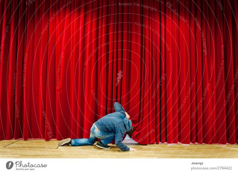 Preview Mensch Mann Erwachsene 1 Bühne Kino Vorhang rot Neugier Suche Show Voyeurismus Farbfoto Innenaufnahme Strukturen & Formen Textfreiraum links