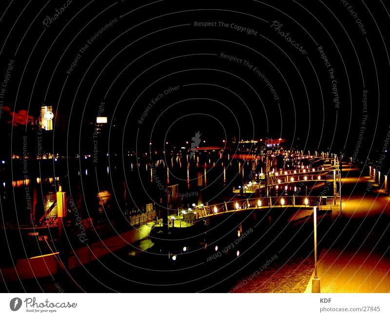 Weser, Nachts 1 Langzeitbelichtung Bremen Wasserfahrzeug Laterne Club KDF Fluss Licht