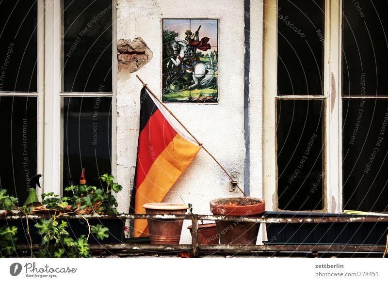 Deutsch Stadt schön Haus Fenster Wand Architektur Innenarchitektur Gebäude Mauer Wohnung Häusliches Leben Freizeit & Hobby Dekoration & Verzierung Deutsche Flagge Bauwerk Fahne