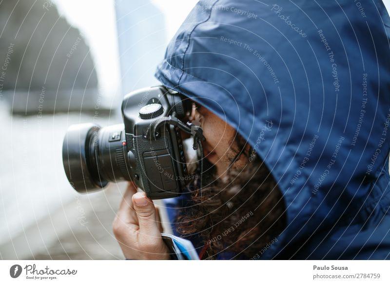 Frau beim Fotografieren Reisefotografie reisen Kaukasier 30-45 Jahre Erwachsene Ferien & Urlaub & Reisen Farbfoto Junge Frau Tourist Glück Sommer Lifestyle