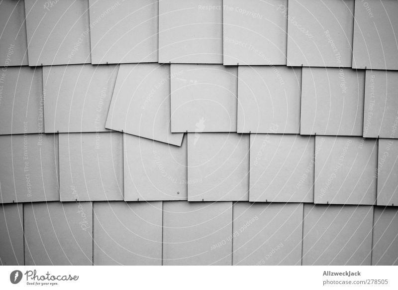 Punk Mauer Wand einfach kaputt grau rebellieren Fliesen u. Kacheln Reihe quirrolant Muster Neigung beweglich Schwarzweißfoto Außenaufnahme Menschenleer Tag