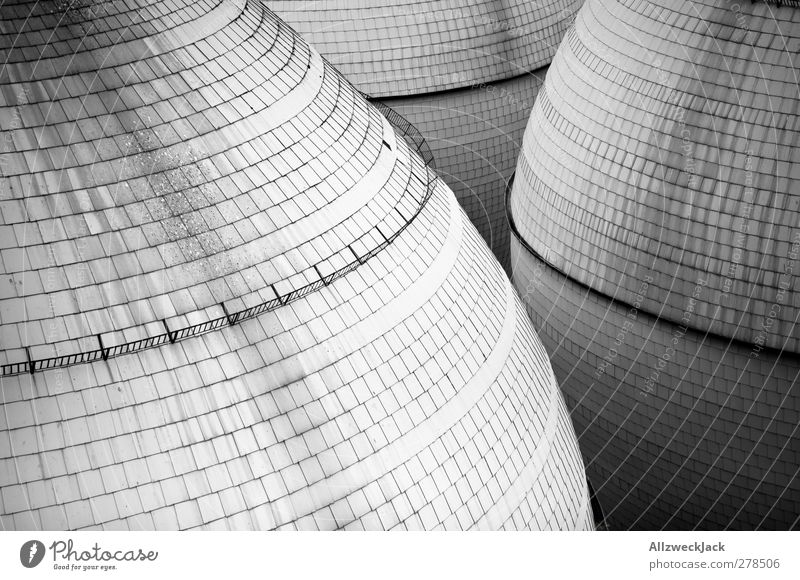 Weltraumflughafen Turm Bauwerk Architektur Beton dick rund grau Fliesen u. Kacheln Raumfahrzeuge UFO Kugel Schwarzweißfoto Außenaufnahme Menschenleer Tag