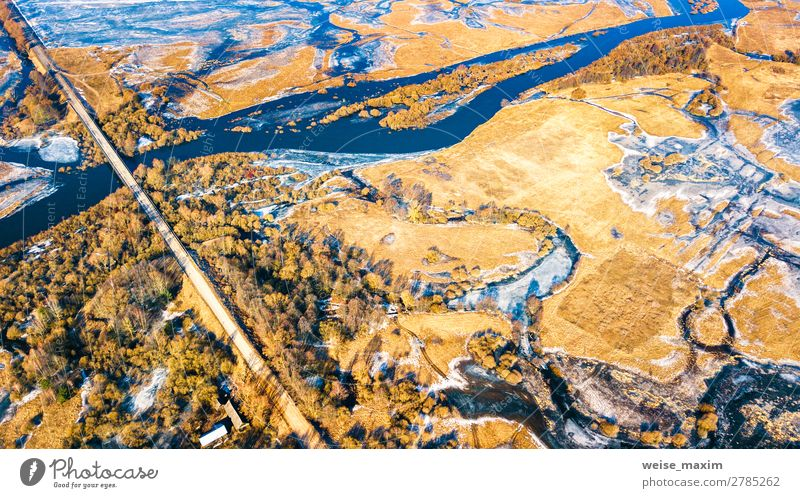 Schotterstraße und Brücke durch Überlaufwasser schön Ferien & Urlaub & Reisen Tourismus Ausflug Ferne Freiheit Winter Schnee Natur Landschaft Erde Wasser