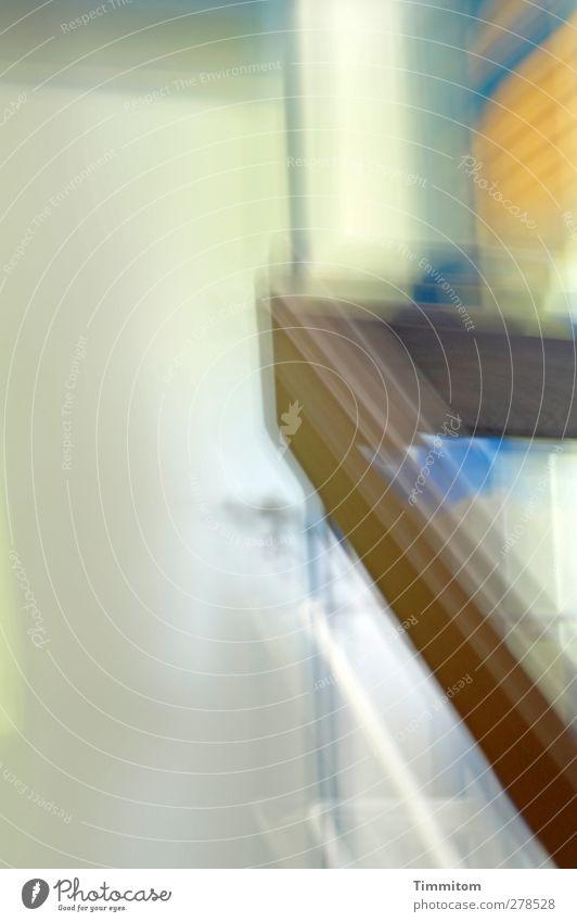 Der Morgen danach. blau weiß Gefühle braun gehen Tür Häusliches Leben Treppengeländer unklar