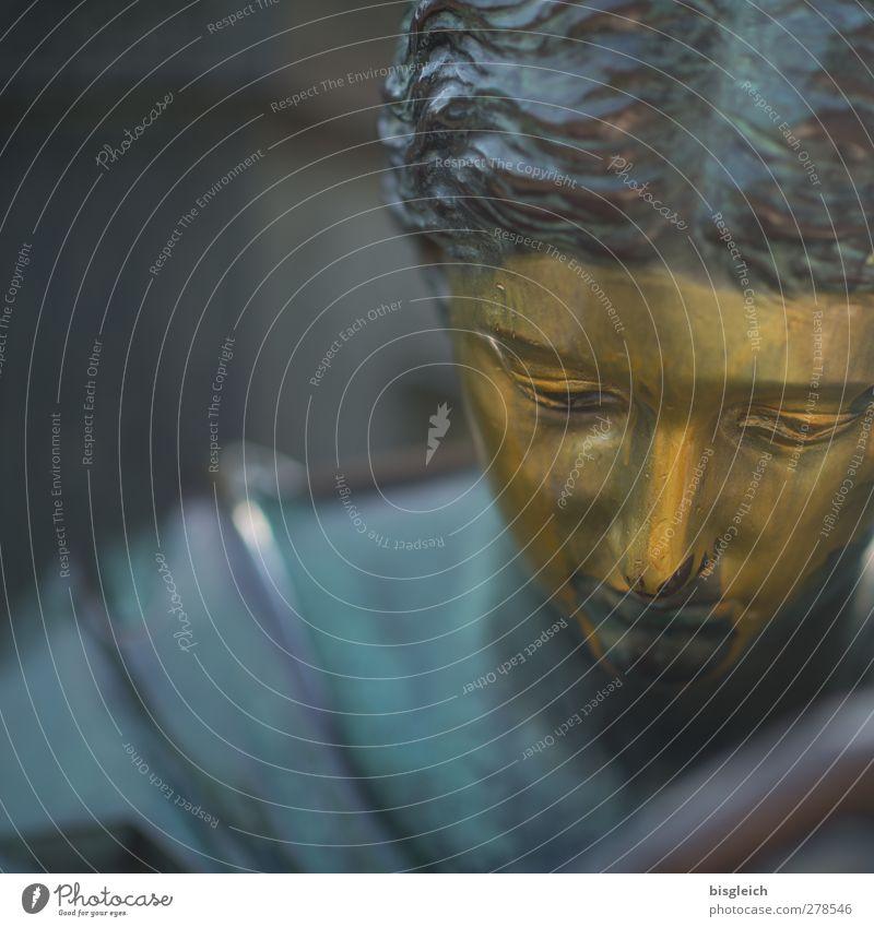 Goldköpfchen Mensch schön ruhig Gesicht feminin Berlin Kopf Zufriedenheit gold Europa Vergänglichkeit Trauer Bundesadler Denkmal Statue Kunst