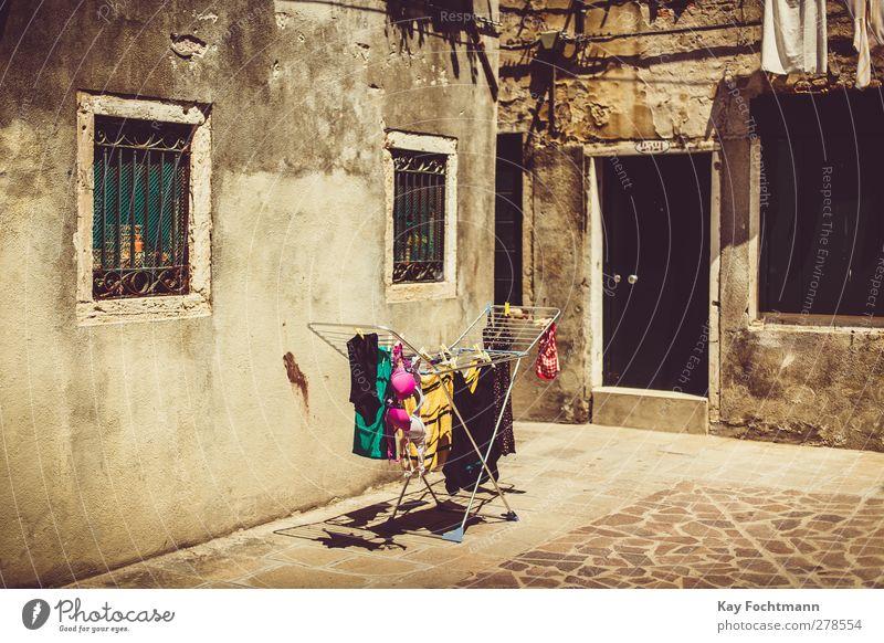 venezia alt Ferien & Urlaub & Reisen Stadt Sommer Farbe Haus Ferne Fenster feminin Wand Wärme Mauer Tür Fassade Tourismus frisch