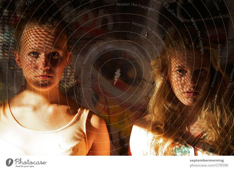 Schattenspiel Mensch Jugendliche Erwachsene feminin Gefühle Zusammensein 18-30 Jahre Kontrolle Verschwiegenheit