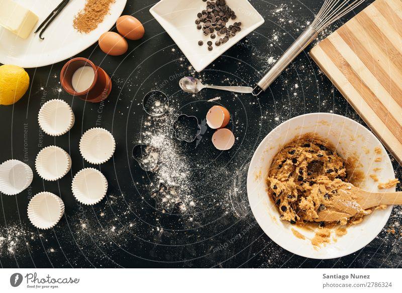 Hintergrund - Zubereitung von Keksen und Muffins. backen Hand Biskuit Plätzchen Koch Küchenchef Frau Dekoration & Verzierung lecker gebastelt heimwärts