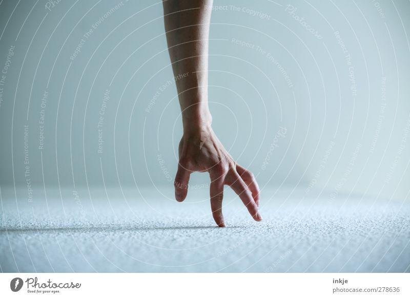 Spazierengehen Mensch Hand Leben Spielen Gefühle Bewegung Stimmung gehen Freizeit & Hobby laufen Beginn einfach Kreativität Mitte machen schreiten