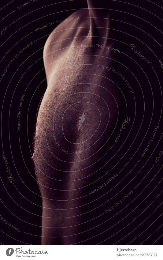 Intense II Mensch maskulin Junger Mann Jugendliche Erwachsene Brust 1 18-30 Jahre dunkel geheimnisvoll Farbfoto Nahaufnahme Akt Textfreiraum rechts