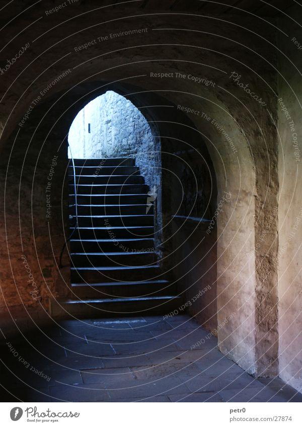 Lichtwärts Ausgang Katakomben historisch Gotteshäuser Treppe Bogen Stein Arkaden alt Religion & Glaube Kloster