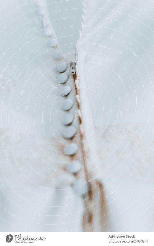 Schönes weißes Hochzeitskleid Kleid Knöpfe schön Kleiderbügel wunderbar Braut Bekleidung elegant Feste & Feiern Liebe Zeremonie Reichtum Tradition Vorbereitung