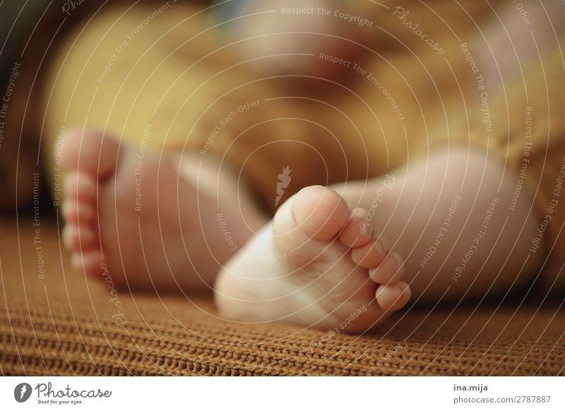 600 | Die Füßchen baumeln lasse Gesundheit Behandlung Wellness harmonisch Wohlgefühl Zufriedenheit Sinnesorgane ruhig Meditation Kindererziehung Bildung