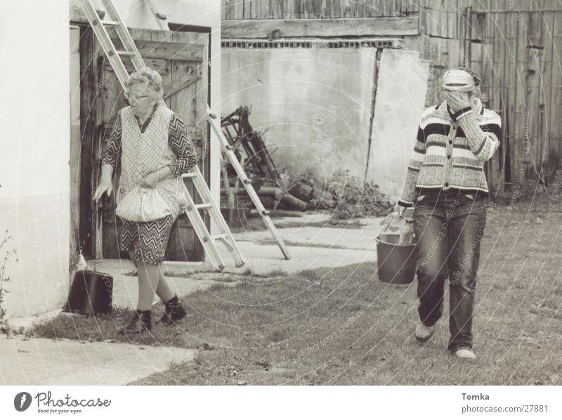 Futterzeit Arbeit & Erwerbstätigkeit Bauernhof Großmutter Amerika Generation Familie & Verwandtschaft