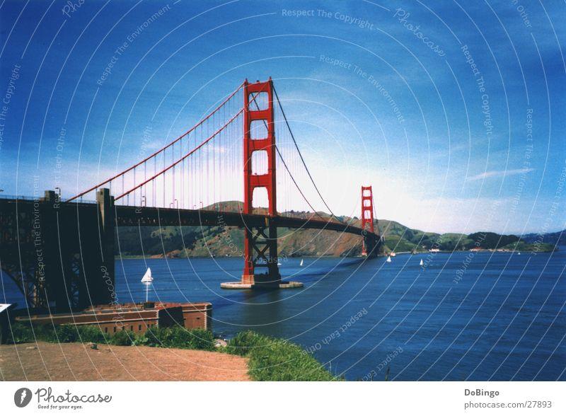 Golden Gate Golden Gate Bridge San Francisco Sommer Meer Amerika rot Bauwerk Hängebrücke See Konstruktion Wolken Wasserfahrzeug Kalifornien Goldrausch Brücke