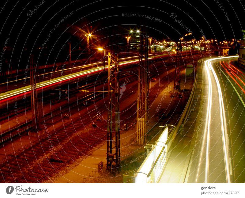 Bahnhof Würzburg Nacht Langzeitbelichtung Eisenbahn Lichtspiel Neonlicht Europa Farbe Straße Beleuchtung