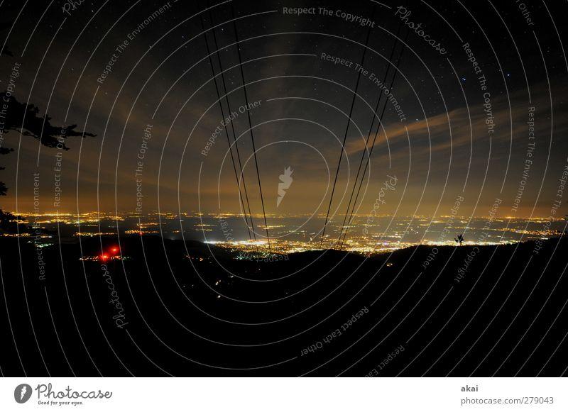 Schauinsland bei Nacht Nachtleben Natur Landschaft Nachthimmel Horizont Sommer Schönes Wetter Berge u. Gebirge Freiburg Deutschland Stadt orange rot schwarz