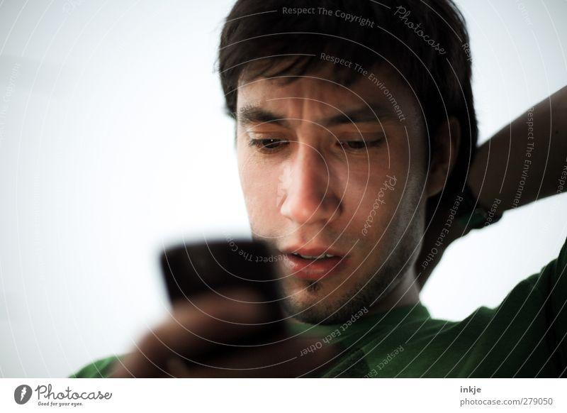 Nicolas- trying to call his next mondaymodel Mensch Jugendliche Erwachsene Gesicht Leben Spielen Denken Junger Mann 18-30 Jahre Freizeit & Hobby stehen