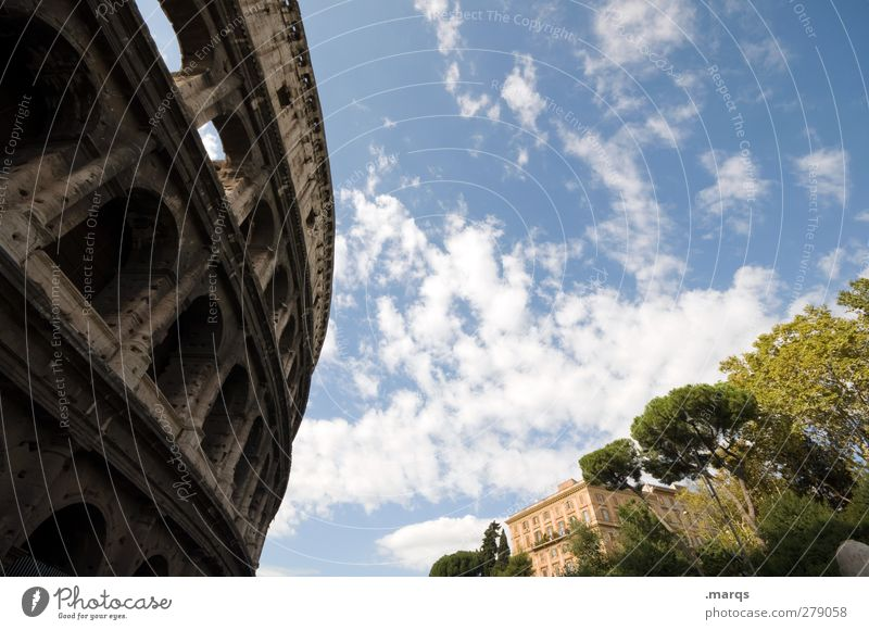 Koloss Ferien & Urlaub & Reisen Sightseeing Städtereise Kultur Himmel Wolken Rom Italien Haus Bauwerk Architektur groß Perspektive historisch Kolosseum