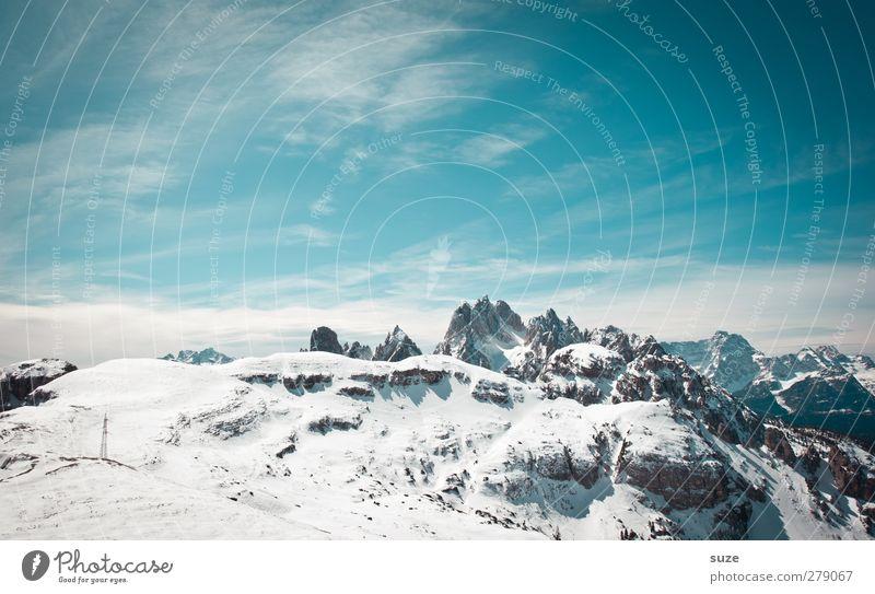 Übern Berg Himmel Natur blau Ferien & Urlaub & Reisen Wolken Landschaft Umwelt Berge u. Gebirge Schnee Frühling Felsen außergewöhnlich Klima groß Urelemente Schönes Wetter