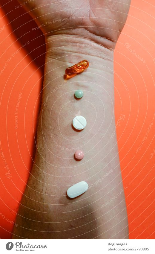 Mensch Hand Krankheit Medikament Schmerz Verschiedenheit Halt Tablet Computer Tablette Therapie Apotheke Behandlung Kapsel