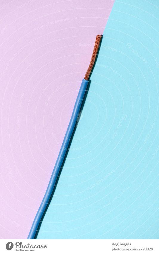 Elektrisches Kabel auf rosa und blauem Hintergrund. Industrie Technik & Technologie Energie elektrisch Draht Pastell Elektrizität Kraft kupfer Elektromonteur